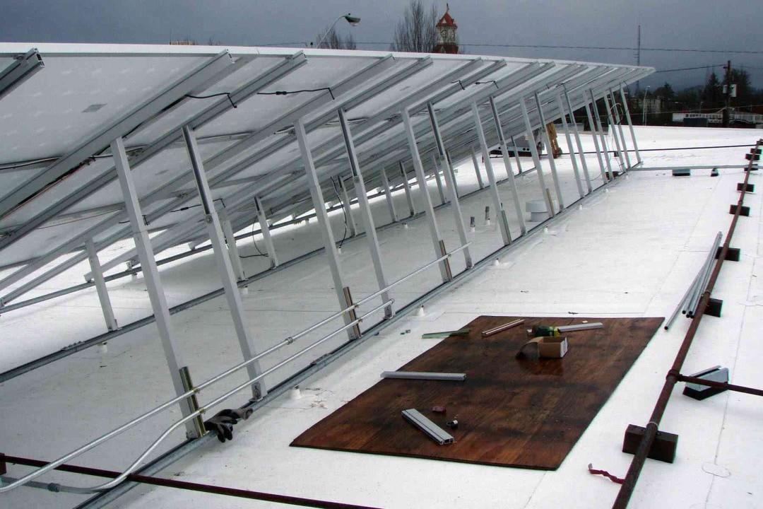 peak sports solar array behind setup